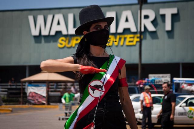 Meyer-WalmartProtest_MarteMerlos