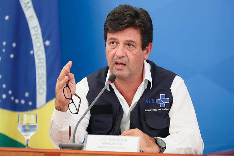 Henrique Mandetta, the Brazilian Minister of Health, in one of the ministry's trademark vests. (Photo by Isac Nóbrega/PR.)